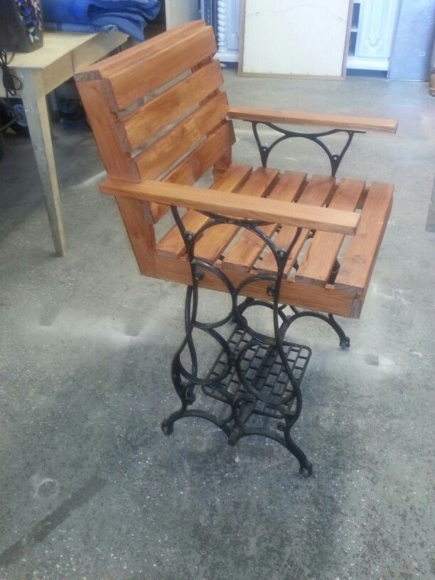 Vintage Sewing Machine Made Into A Chair Using Pallet Wood