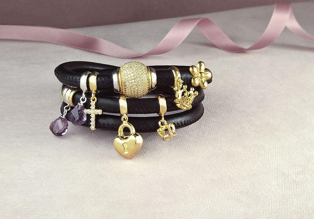 Fashino Charms bracelet - Indossa il tuoi charms preferiti, da mescolare e abbinare al tuo umore.  Ispirati dalla sensazione di freschezza del cambiamento, abbiamo creato una collezione di gioielli pensando ad ognuna di voi. DesphaeraGioielli #madeinitaly