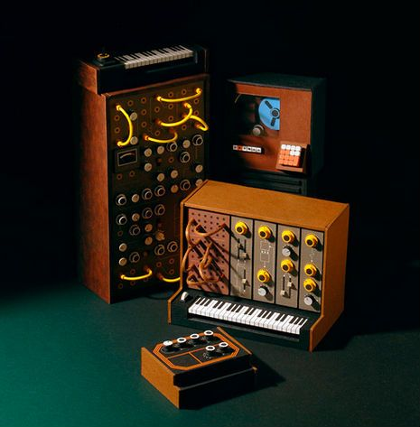 005 Teenytiny models of early synthesizers and analog