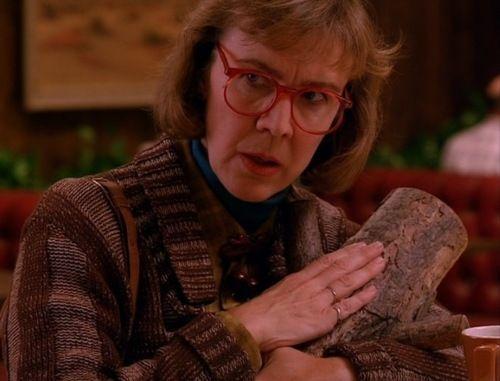 Log Lady costume idea #Twin_Peaks