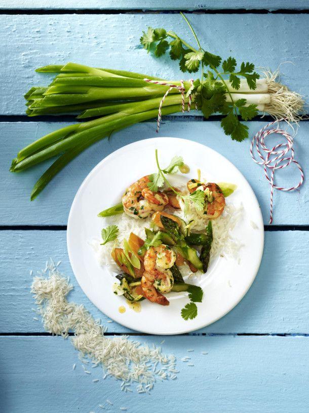 Unser beliebtes Rezept für Garnelen mit Gemüse und Koriander und mehr als 55.000 weitere kostenlose Rezepte auf LECKER.de.