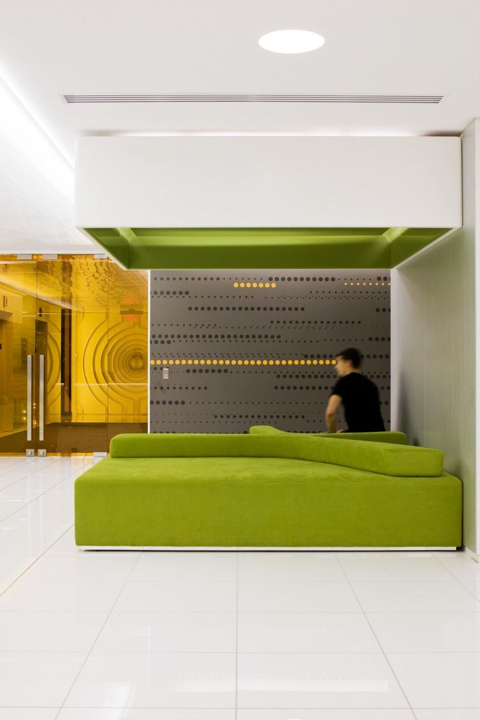 Astral media office interior by lemay associés