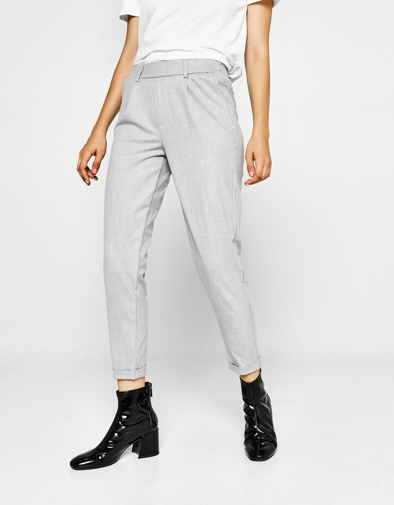 314942cb08 19,90 Bershka Pantaloni confezione jogger con pinces. | Want to Wear ...