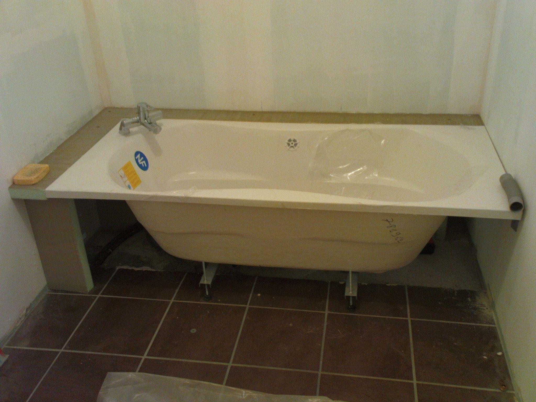 Comment Poser Une Baignoire D Angle De La Saison Minimalist Bathroom Bathtub Bathroom
