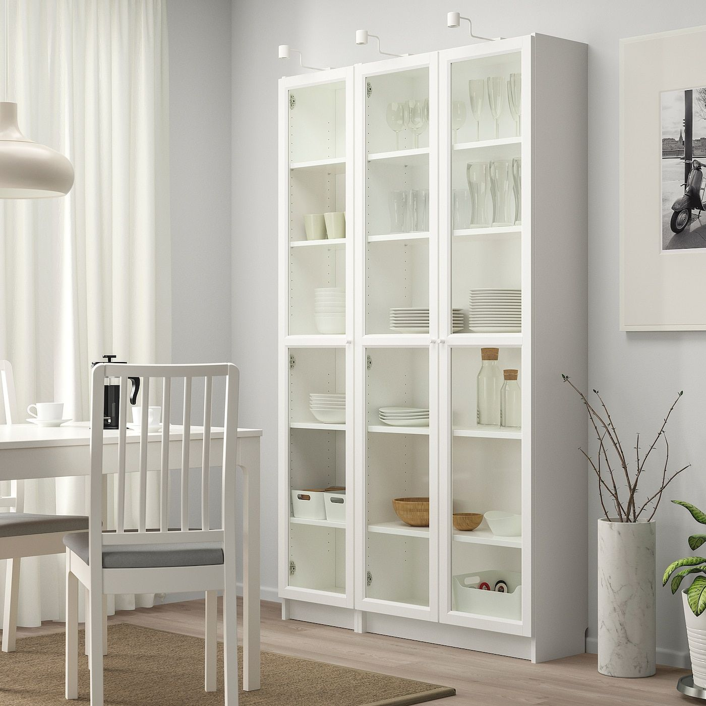 Billy Oxberg Libreria Con Ante A Vetro Bianco 120x30x202 Cm Ikea It Bookcase With Glass Doors Glass Bookcase Glass Shelves Kitchen