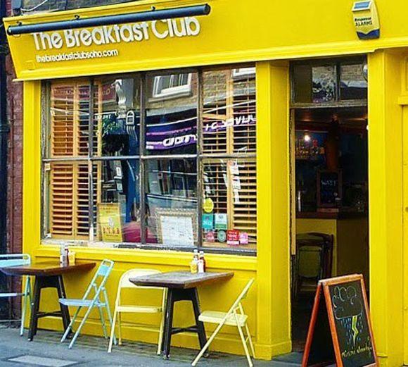La Façade Du Breakfast Club