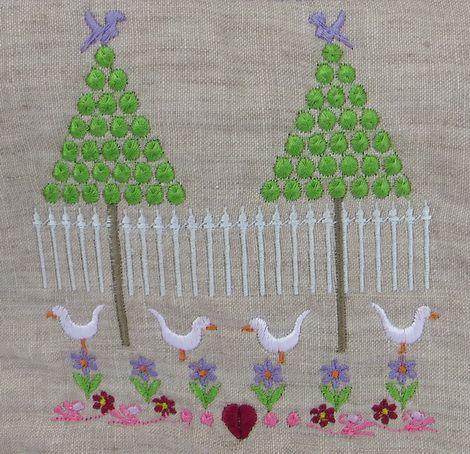 2 tree farm machine embroidery design http://www.stitchingart.com