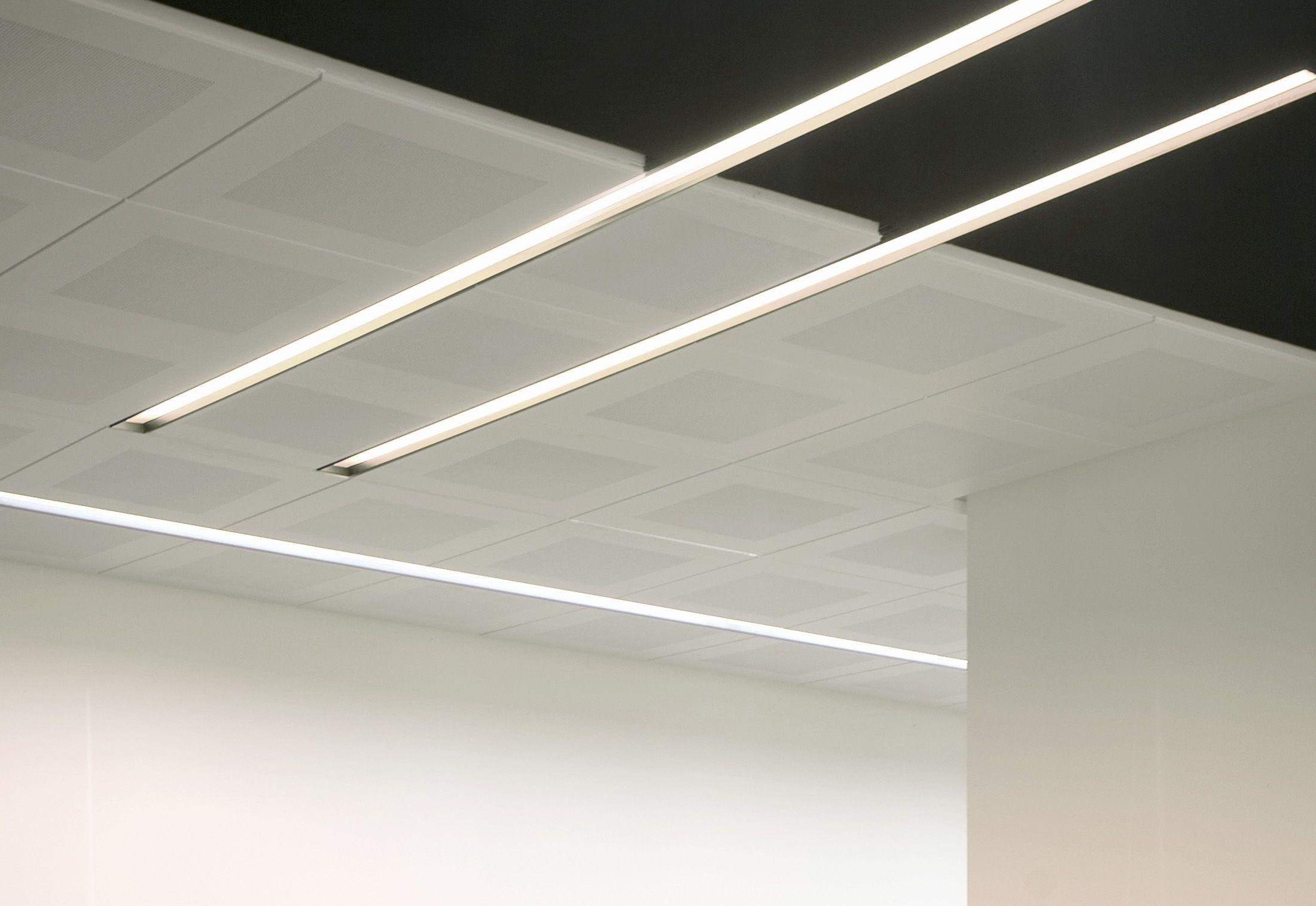 Ziemlich Installation Von Deckeneinbauleuchten Bilder - Elektrische ...