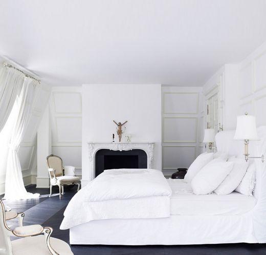 Day Birger et Mikkelsen bedroom white on white fireplace Lonny Dec 2012