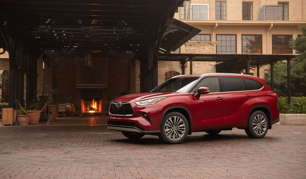 2020 Toyota Highlander Priced On The High End Of The 3 Row Suv Market Toyota Highlander Hybrid Toyota Highlander Suv