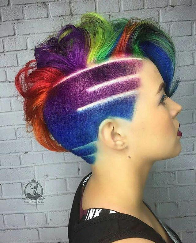 sooo freaken amazing bright hair