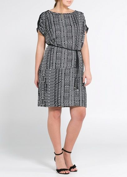 One of my favorites from Mango's new plus size collection Violeta. Monochrome print dress! @Anna Emerge