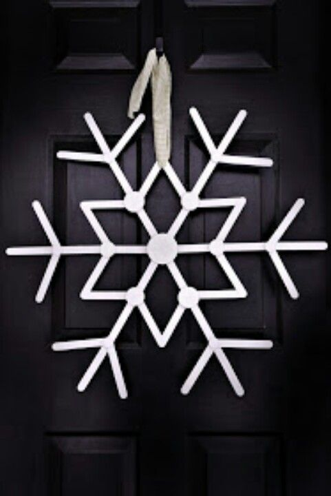 Popsicle Stick Snowflake: http://ballardbunch.blogspot.com/2010/11/let-it-snow.html?m=1