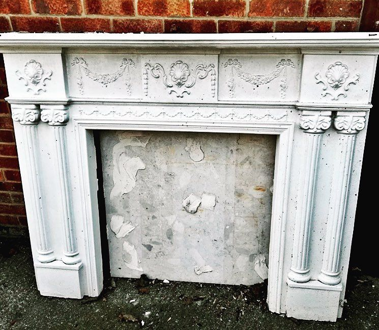Countryhome Interior Design: Plaster Fireplace Heading This Way #homesandantiques