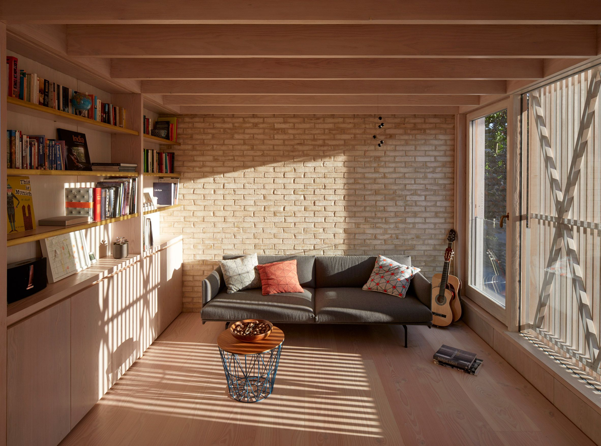 Tikari Works Squeezes Pocket House On Site Of Former Garage In