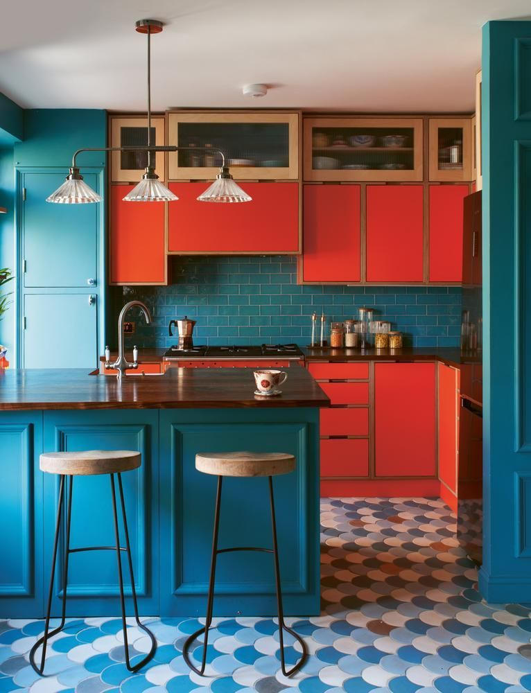 A First-Time Homeowner Indulges a Love of Color