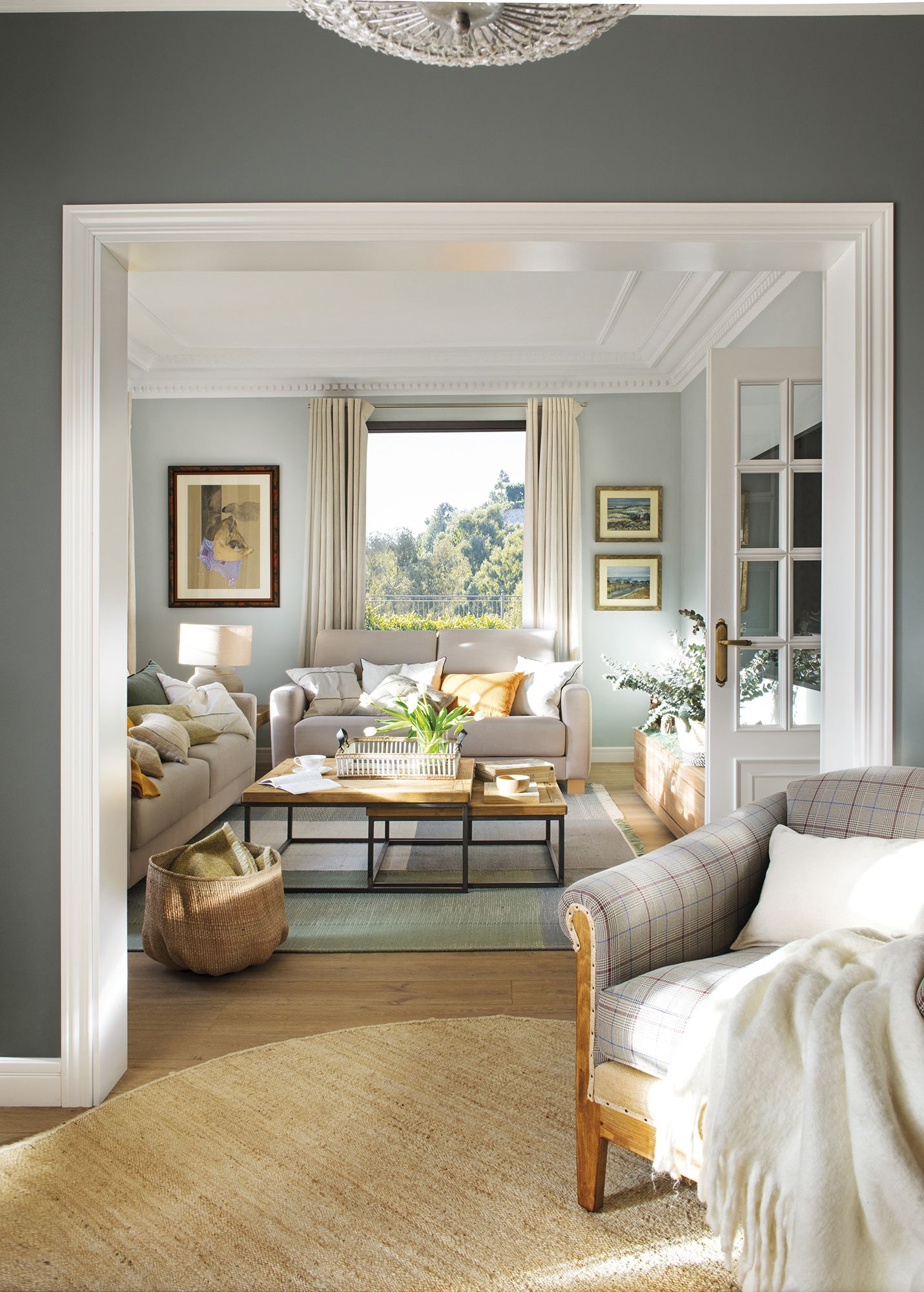 En esta casa la pintura lo cambi todo salones modernos - Colores de pinturas para salones ...