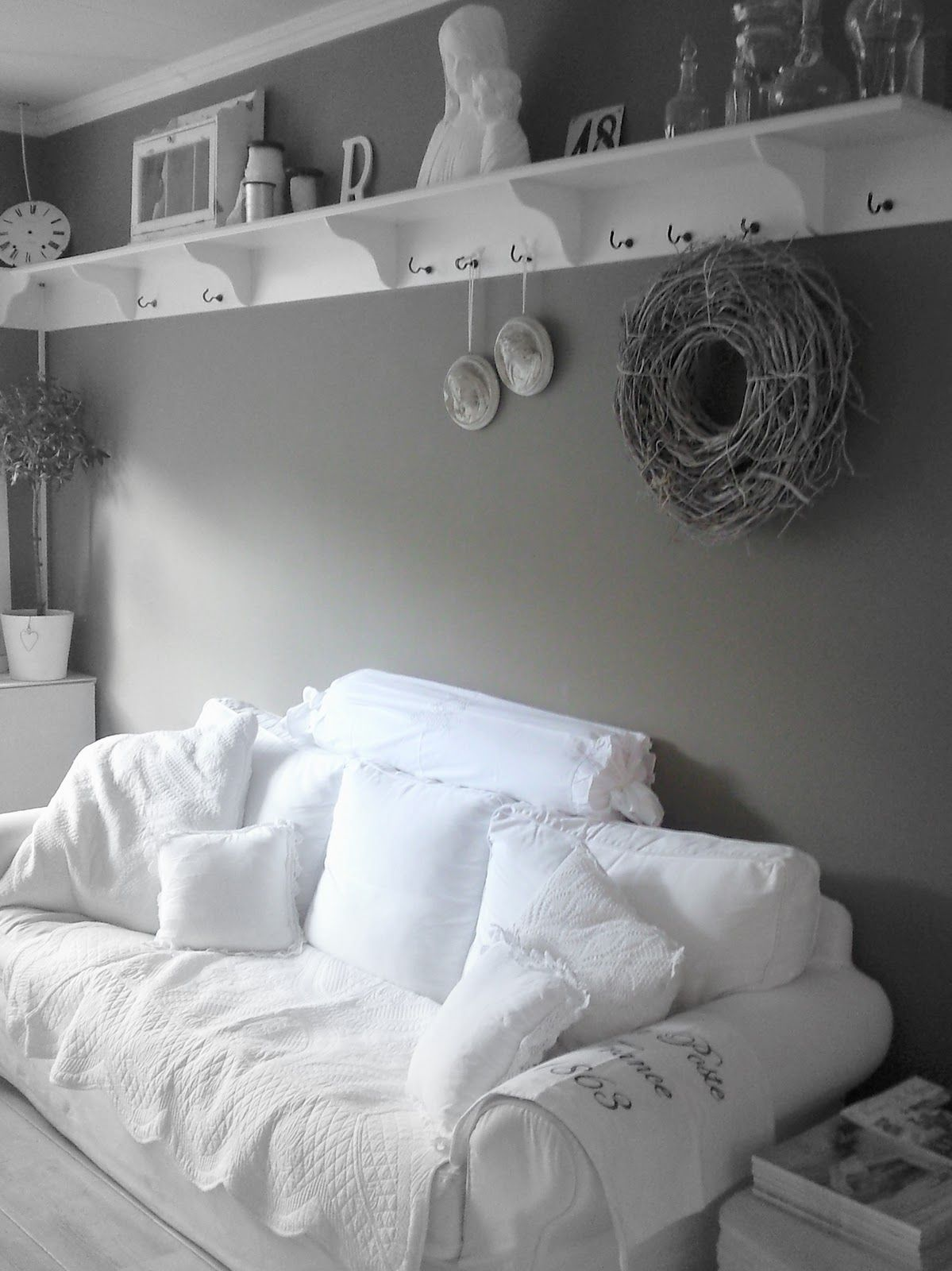 Plank boven de bank home decor pinterest bank voor for Plank boven bed