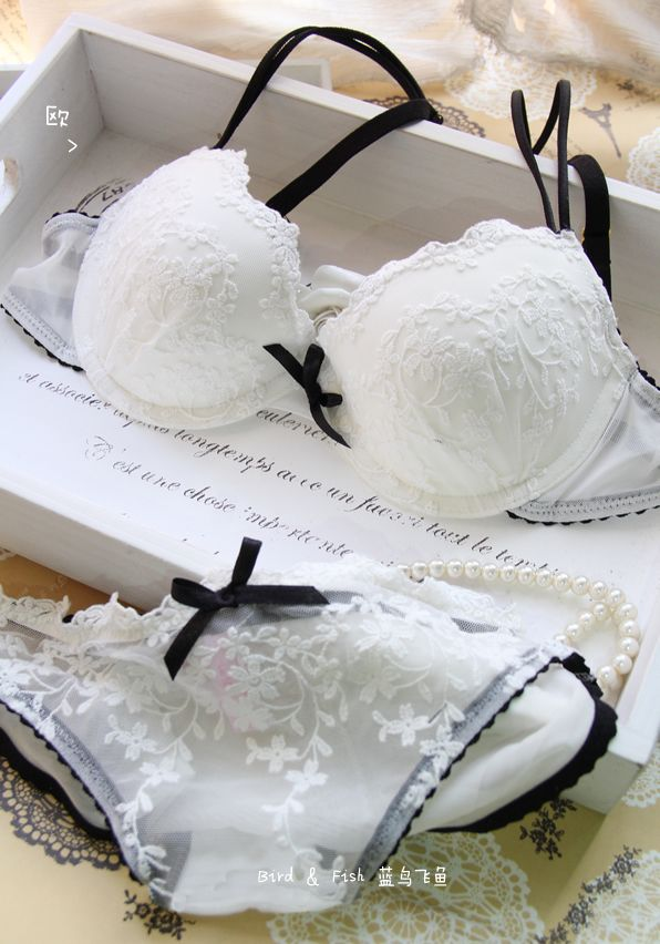 a3cb556d3d Free shipping! fashion L Sen a white sweet lace embroidery push up  underwear set women s sexy bra set-inBra   Brief Sets from Apparel   Acce.