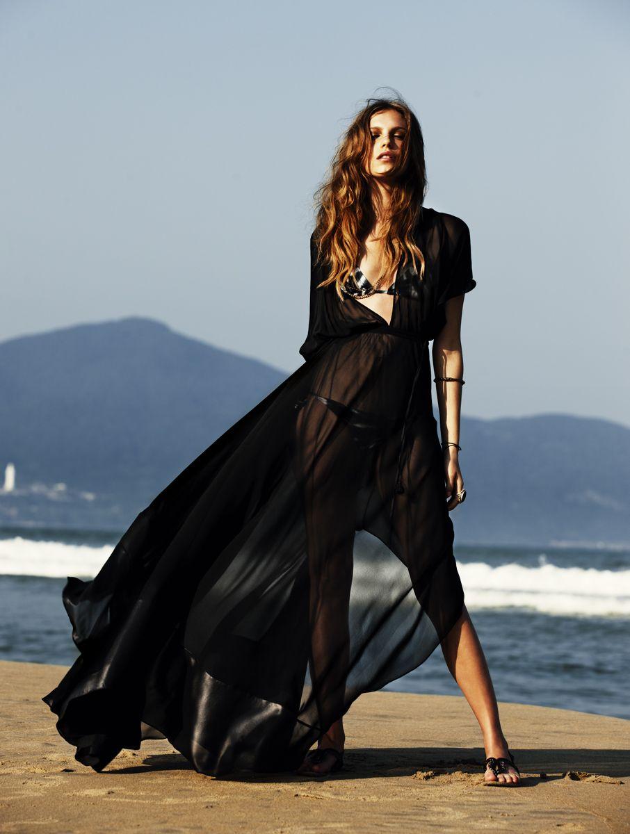Beauty Fashion Editorial Photography Lady In Black At The Beach Feminine Beauty Pinterest