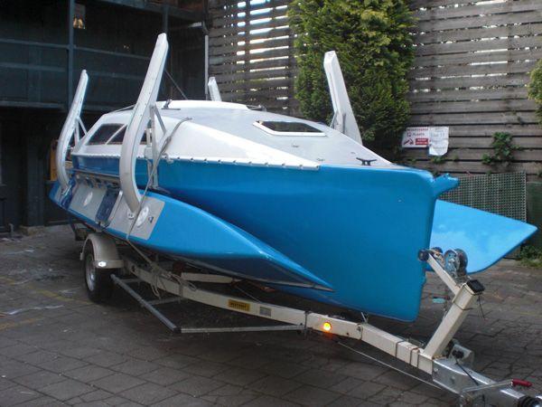 Farrier F-22 Trailerable Trimaran | cool | Kayak boats ...