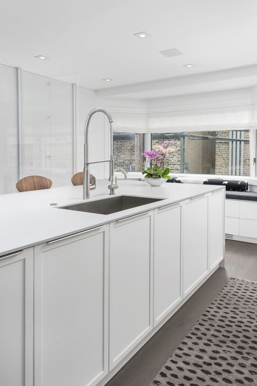 A Modern Townhome Renovation In Chicago S Gold Coast Dresner Design Kitchen Design Custom Cabin Kitchen Design Custom Kitchens Modern Kitchen Design