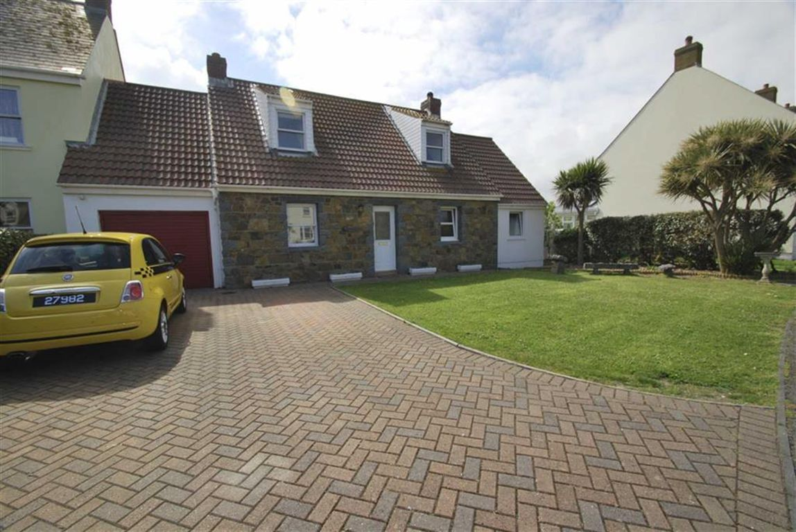 Lulworth a spacious detached property located just off