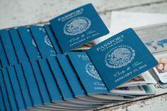 Invitation de passeport pour un mariage à destination – Custom made invite   Fait à la main au Canada par—www.empireinvites.ca
