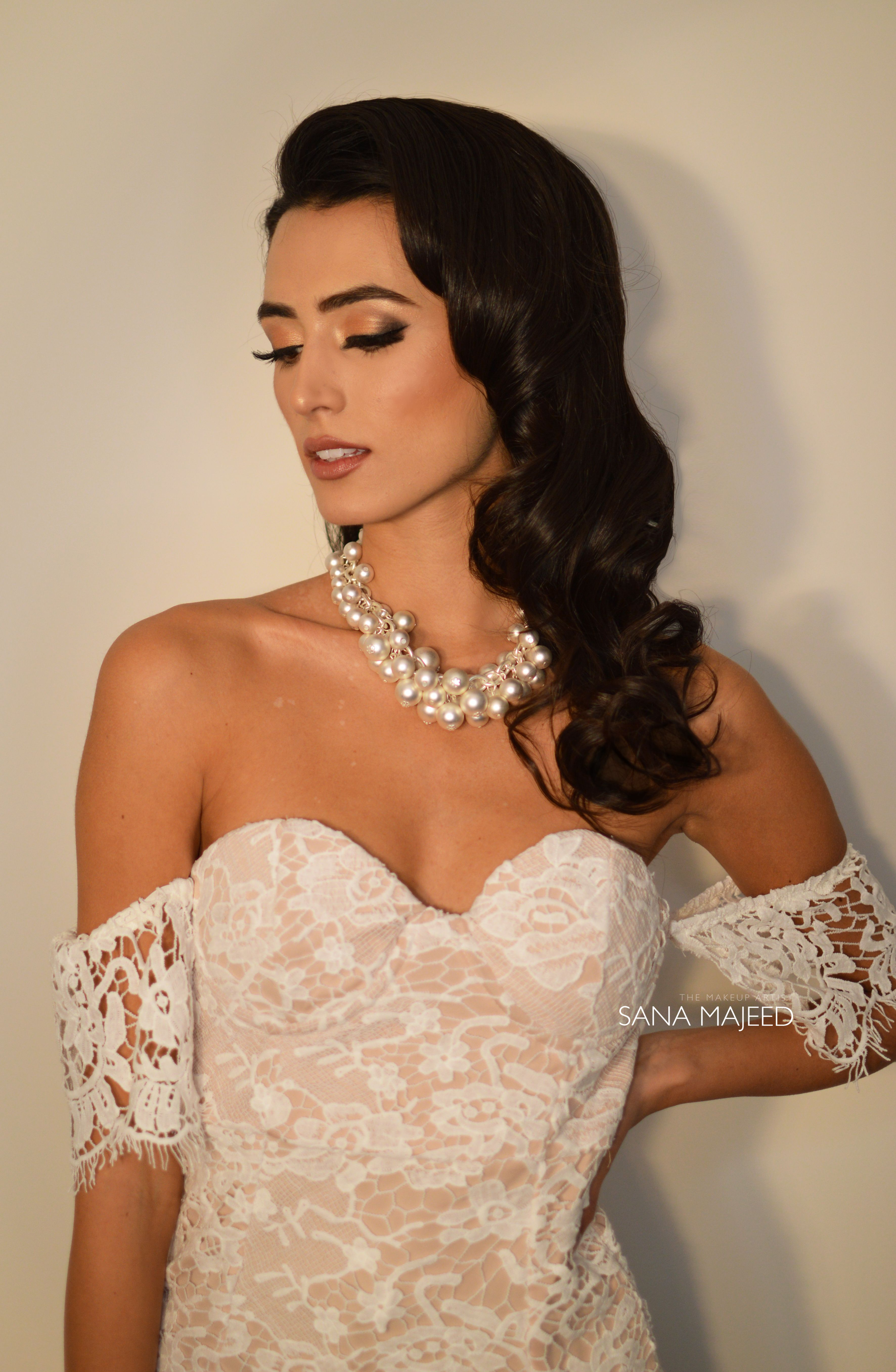 Natural hair and makeup for a bride. Perfect look Indian