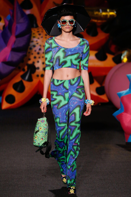 Moschino Resort 2017 Fashion Show - Isabella Emmack