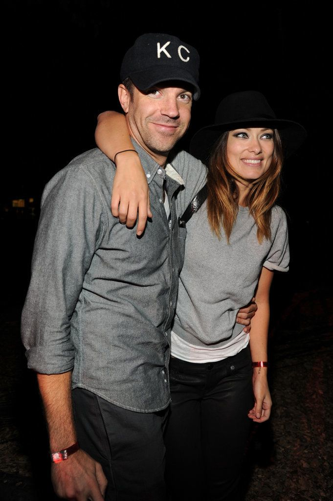43 Sweet Moments Between Jason Sudeikis And Olivia Wilde That Will Steal Your Heart Olivia Wilde Cute Celebrity Couples Jason Sudeikis