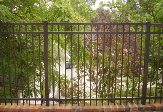 Non view blocking aluminum fence | Aluminum fence, Gate design, Aluminium  gates