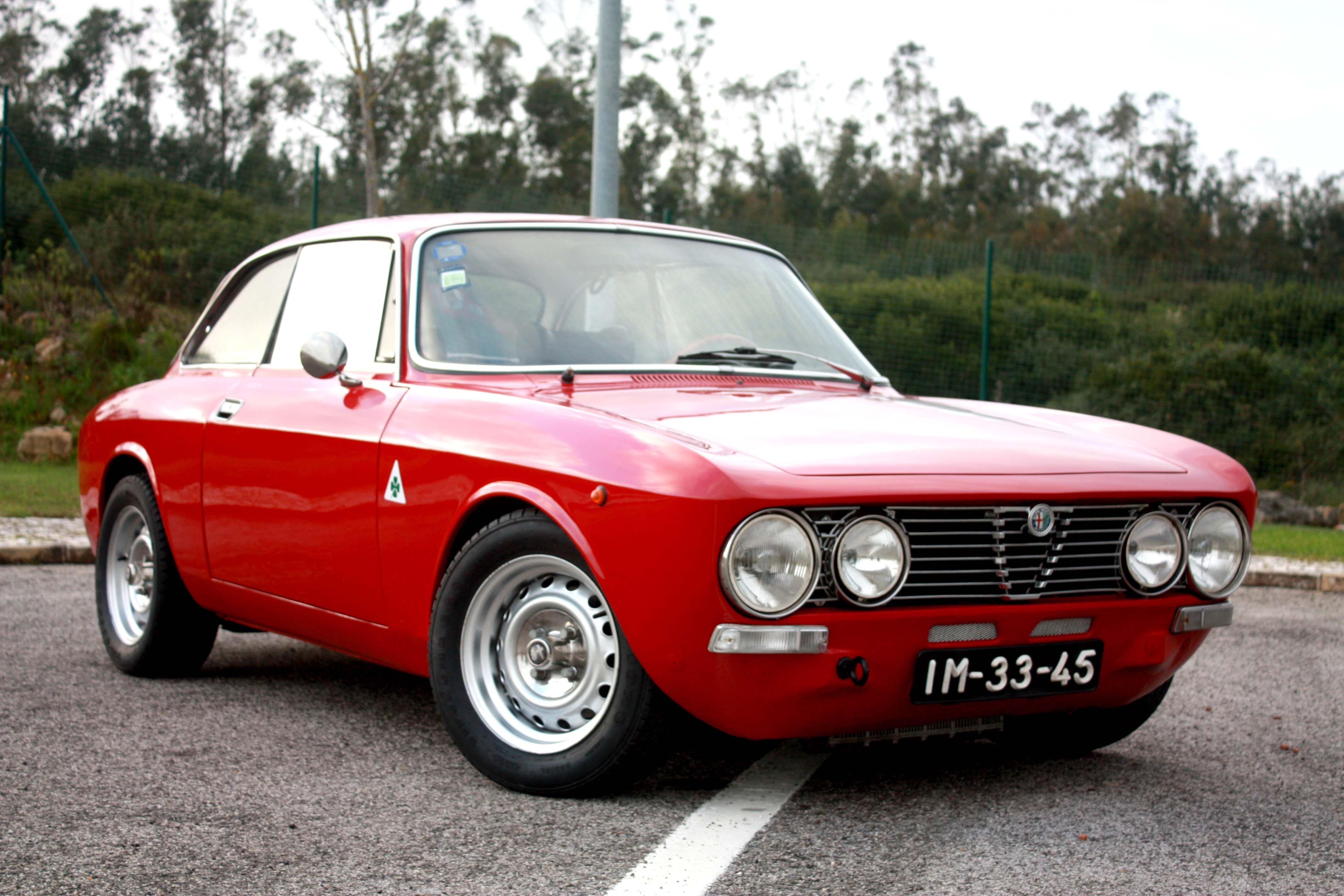 Alfa Romeo GT Junior 1600 | Alfa Romeo GT Junior 1600 | Pinterest ...