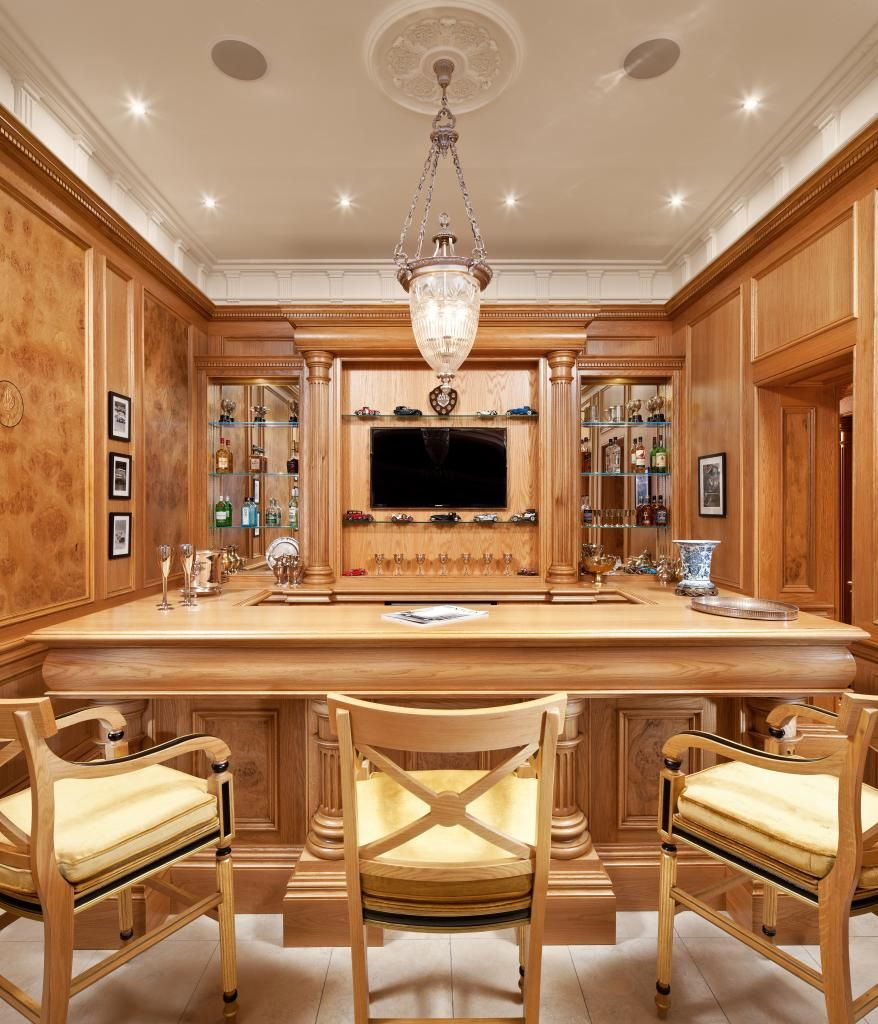 Luxury Lake Homes Interior: Clive Christian Architectural Bar In Honey Oak