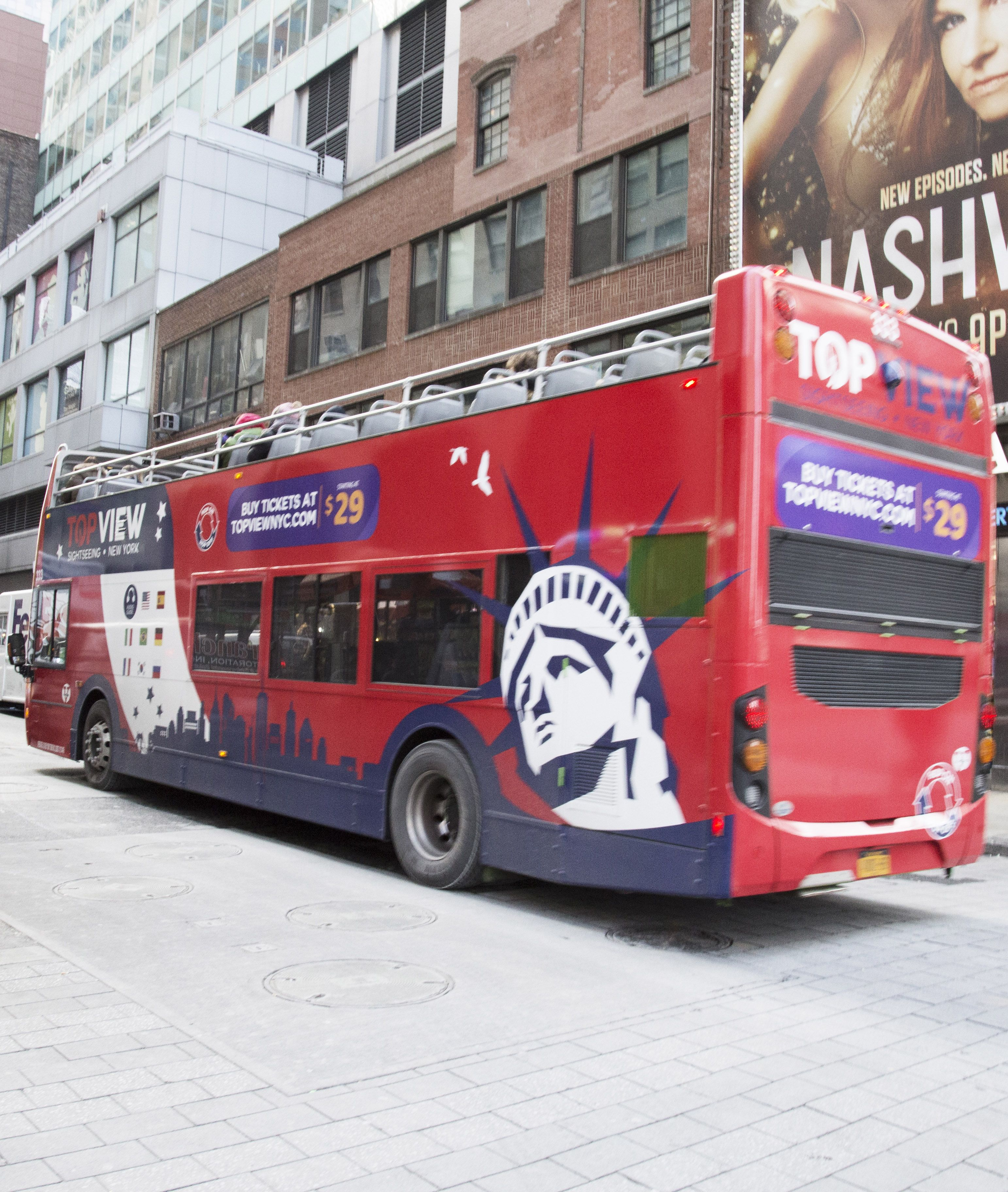Bus Sightseeing Tours In New York City Beautiful Sight From Our Modern Double Decker Buses New York Tours Nyc Sightseeing New York City Tours