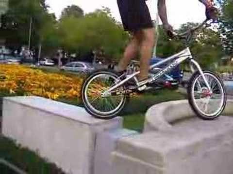 Extreme bike trial Zürich city