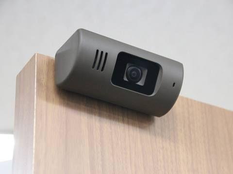 パナソニック 1人暮らし女性の防犯にも使える工事不要のドアカメラ