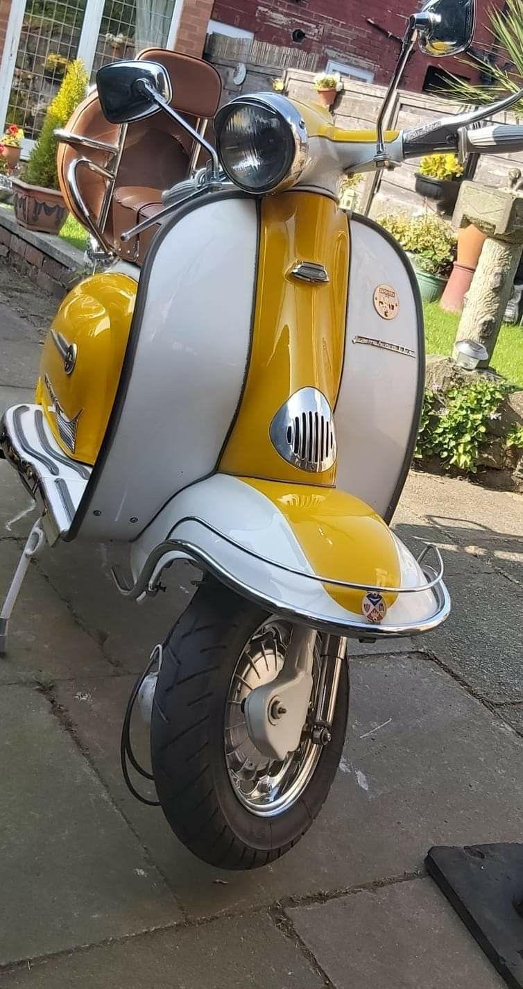 Collier Original Piaggio Vespa GTS