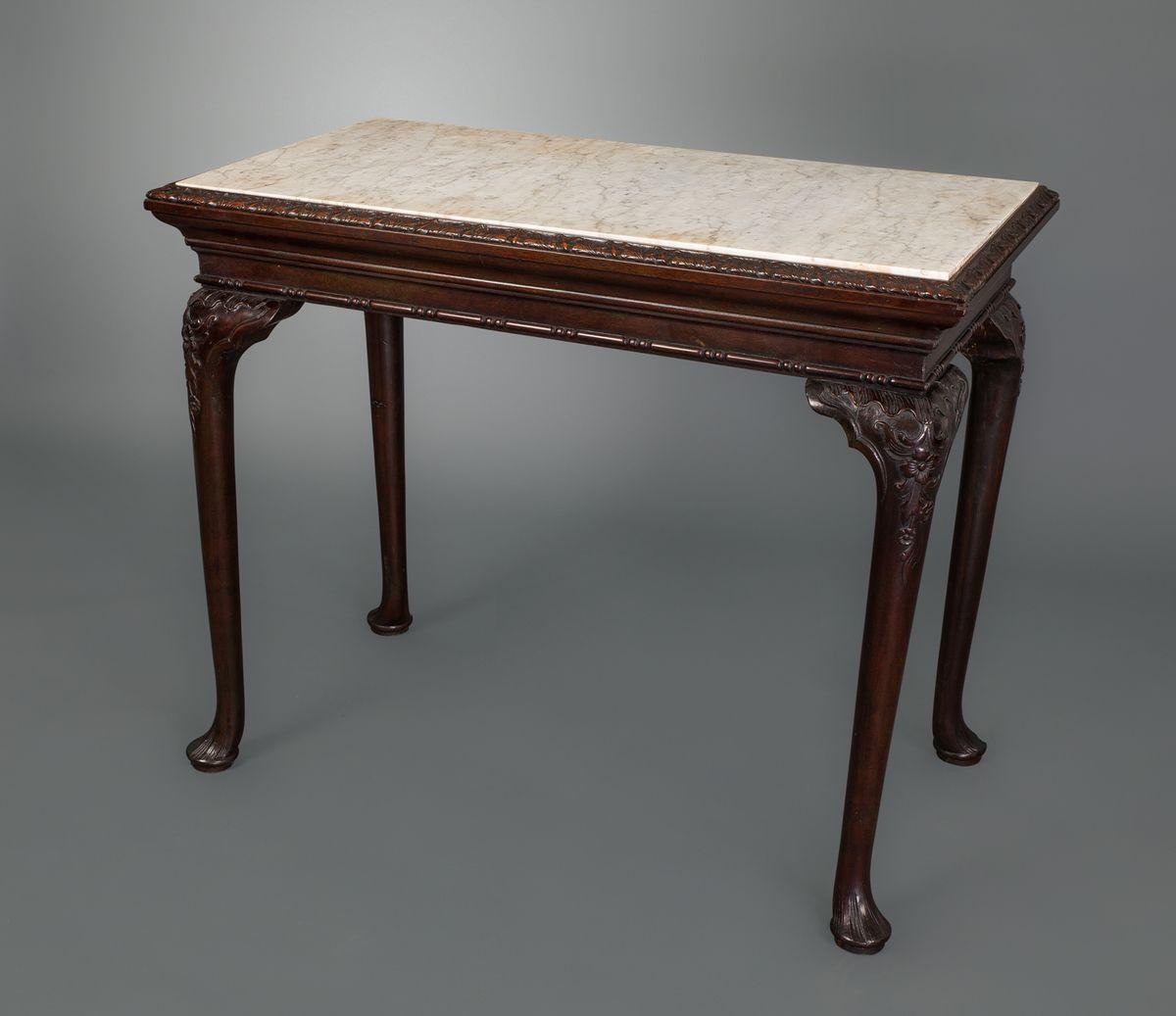 A George Ii Irish Mahogany Small Console Table In 2020 Small Console Tables White Console Table Console Table