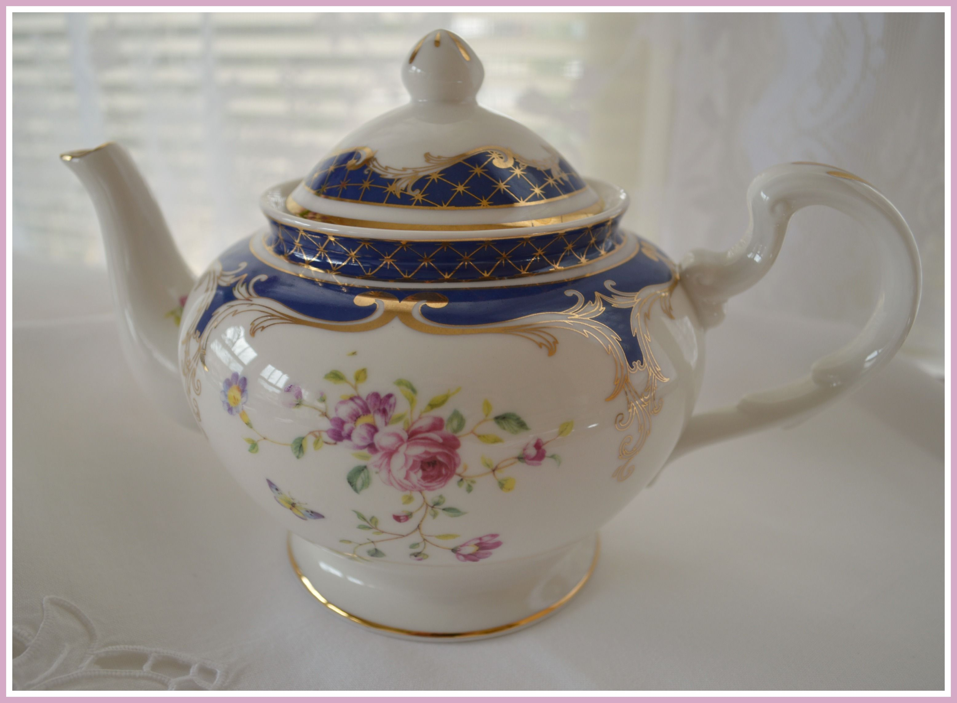 http://rosemary-thyme.blogspot.com/2014/03/purple-flowers-and-treasured-linens.html