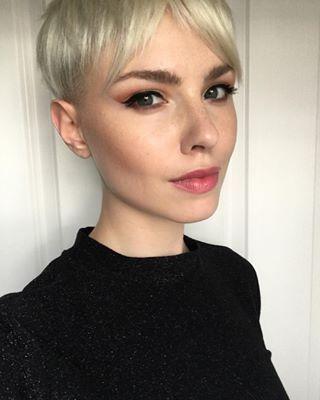 Et ça permet souvent de mettre en valeur un visage magnifique. | Voici pourquoi les femmes ne devraient pas hésiter à se couper les cheveux