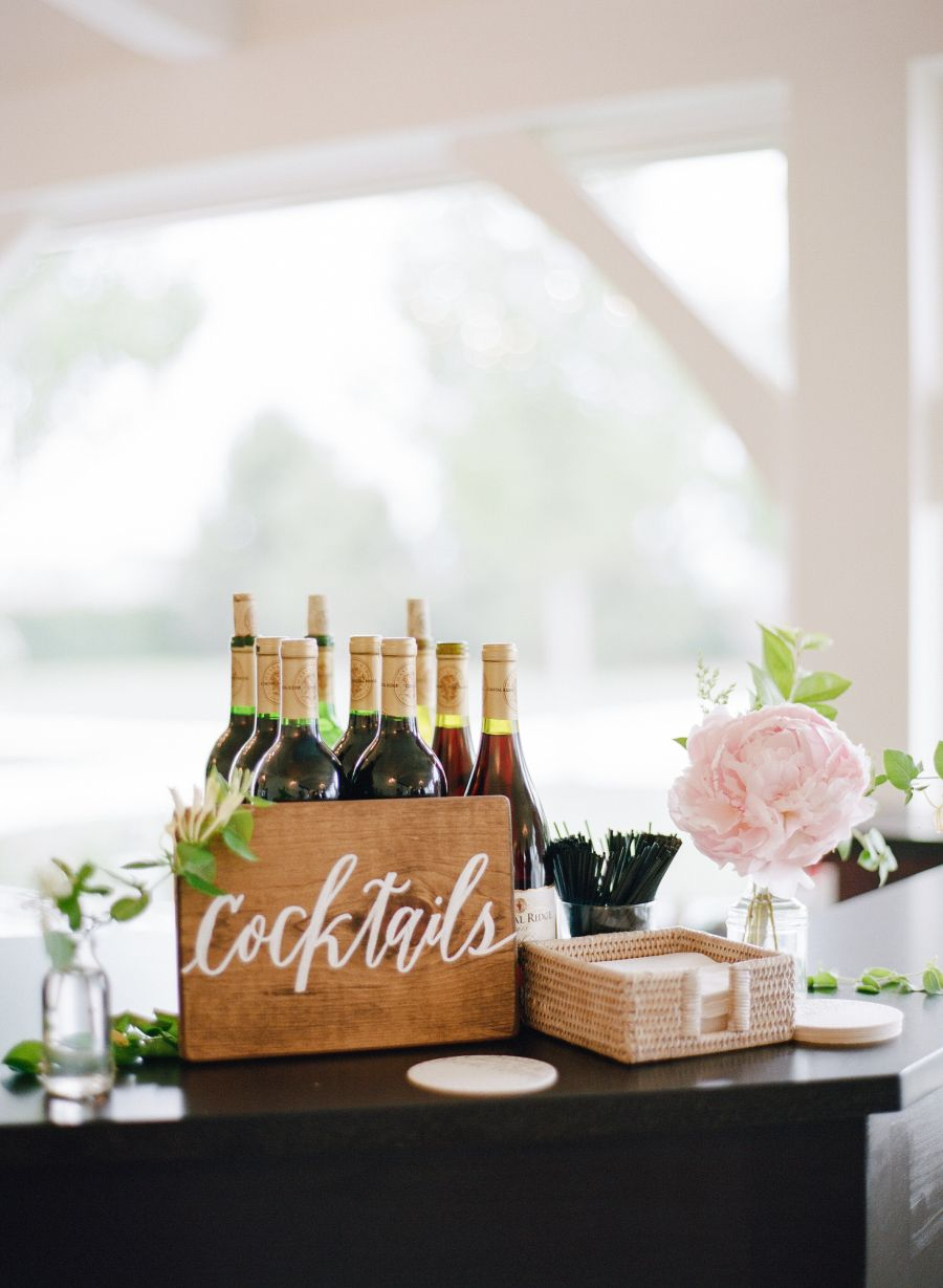Photography : Rebecca Yale Photography | Venue : Belle Mer | Coordination : Sarah Dennen At Belle Mer Read More on SMP: http://www.stylemepretty.com/2016/07/20/expert-tips-on-creating-memorable-vignettes-for-wedding-guests/