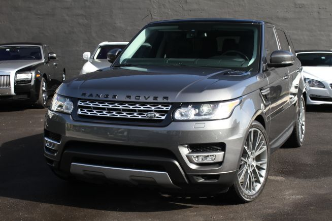 SBER provides Range Rover Sport car for rental in Miami at attractive prices #RangeRover #Miami #RentalCars #Florida