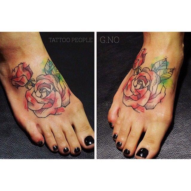 단골 손님에게 캐나다 가기전 타투선물 🎁 맛난저녁 감사해 👏다녀와서 봐 🙋🙈 #tattoo#torontotattoo #tattoopeople #watercolortattoo#foot#busan#pretty#rose#rosetattoo#부산타투#수채화타투#장미타투#발등타투#지노타투#부산#서면#불금#이쁜타투#여자타투#선물#투척#안녕#ㅋㅋ