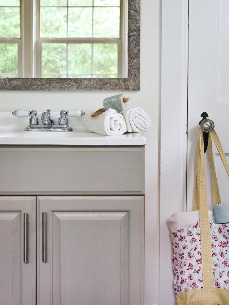 small sink vanity for small bathrooms%0A    Small Bathroom Design Ideas