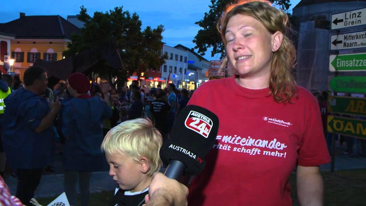Eröffnung Stadthaus: Kundgebung der Kinderfreunde   Mehr unter >>> http://a24.me/1qRqove