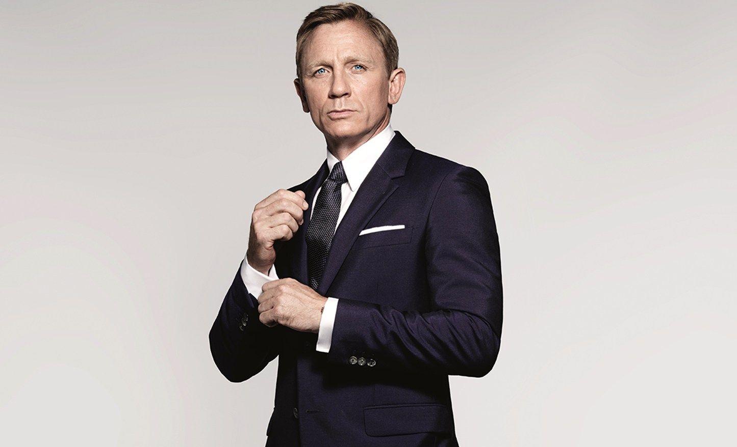 193b20de571 Poucos personagens do cinema conseguem ser tão elegantes quanto o agente  secreto. Saiba como ter estilo usando o 007 como inspiração