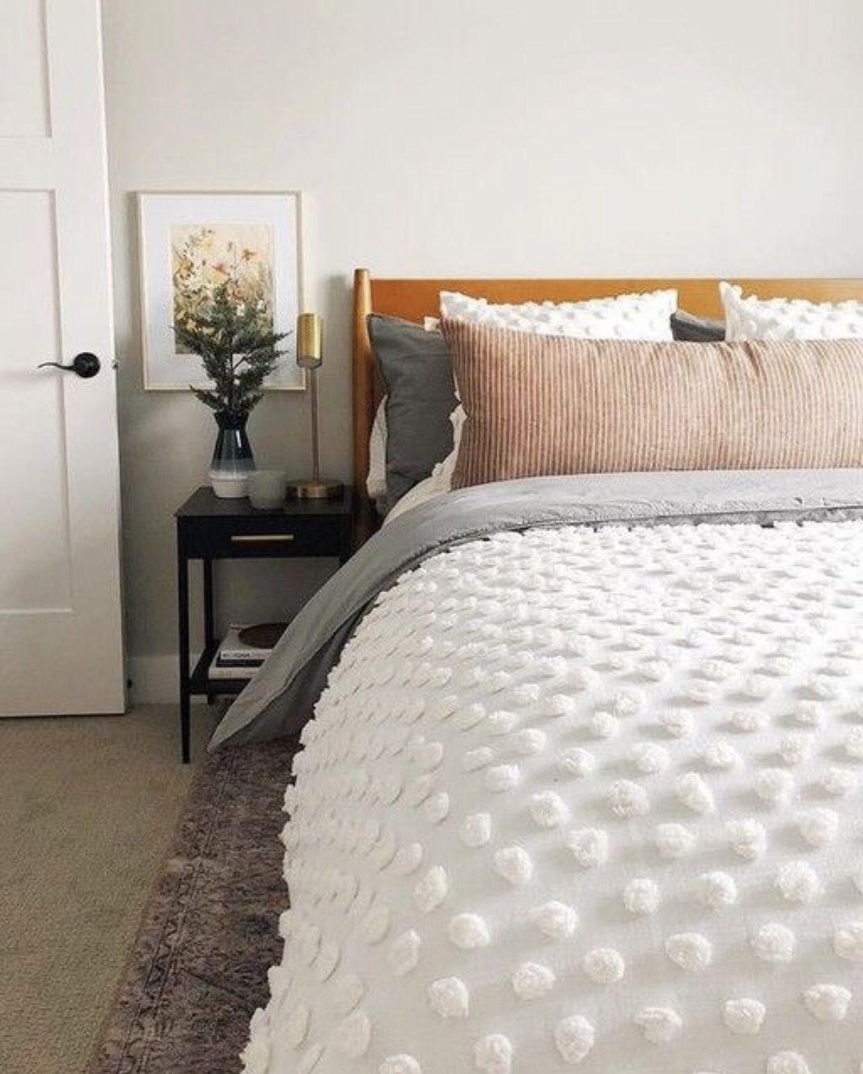 White Pom Pom Bed Set Simple Bedroom Ideas Modern Bedroom