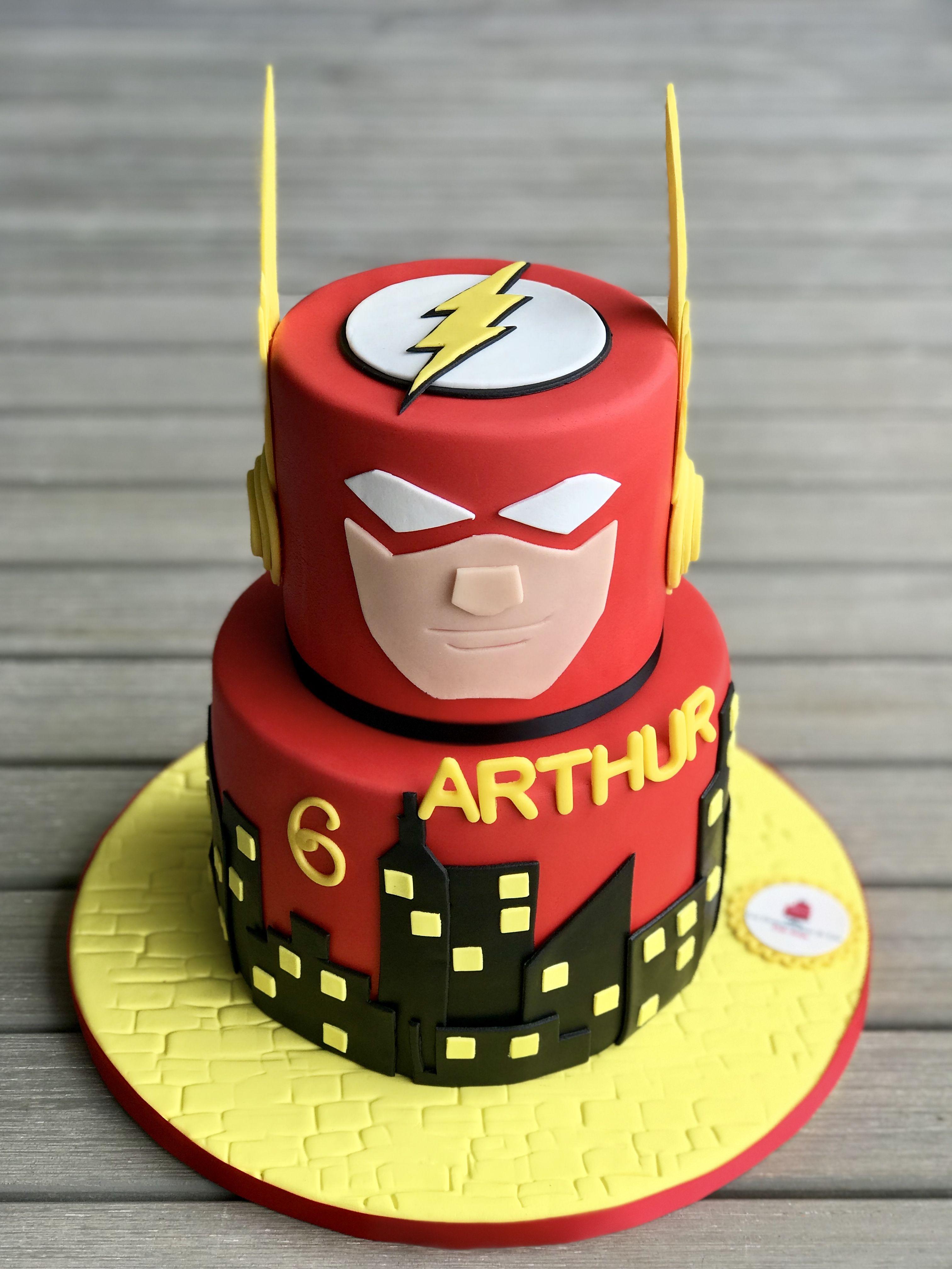 Marvel flash cake | Cakes in 2019 | Flash birthday cake, Flash cake ...