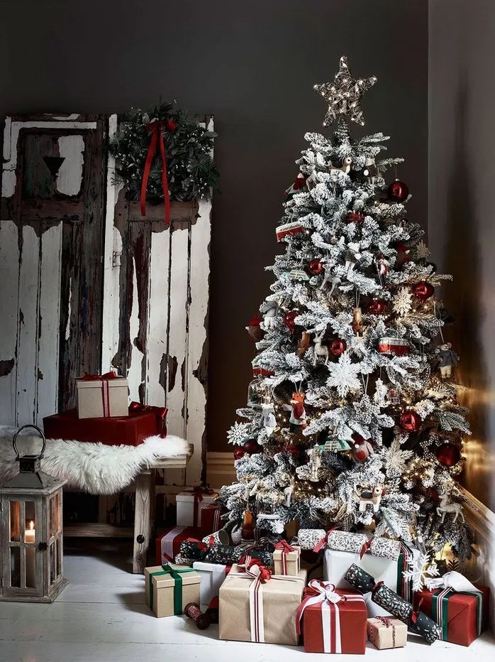168 Christmas Tree Ideas For Your Home Page 1 Christmas Decor Trends Cool Christmas Trees Glamorous Christmas